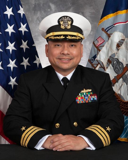 Hạm Trưởng tàu USS John S. McCain - Tin Tran Cdr_tran_new