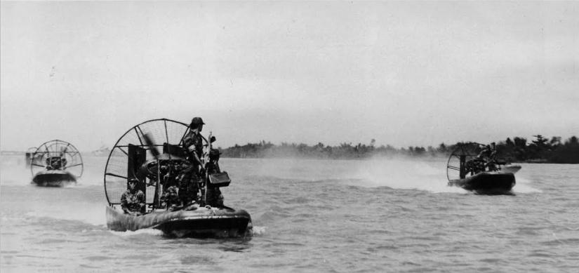 1920px-Aircats_on_the_Mekong